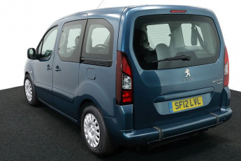 2.Wheelchair Accessible Vehicle SF12LVL PEUGEOT PARTNER BLUE 3
