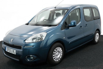 2.Wheelchair Accessible Vehicle SF12LVL PEUGEOT PARTNER BLUE 2